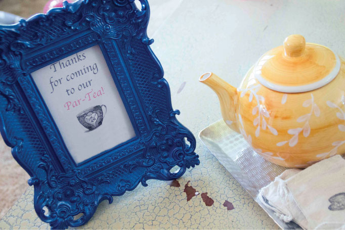 Alice in Wonderland Baby Shower | Creative Mess in a Corporate Dress
